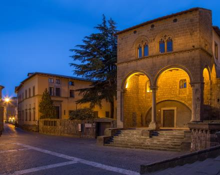 Discover the beauties of Viterbo and its historic cons with BW Hotel Viterbo